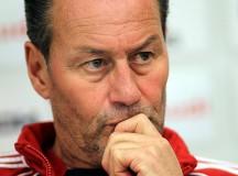Huub Stevens soll den VfB Stuttgart retten